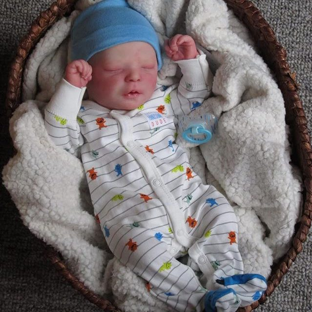 """Realistic 17.5"""" Camille Reborn Baby Doll"""